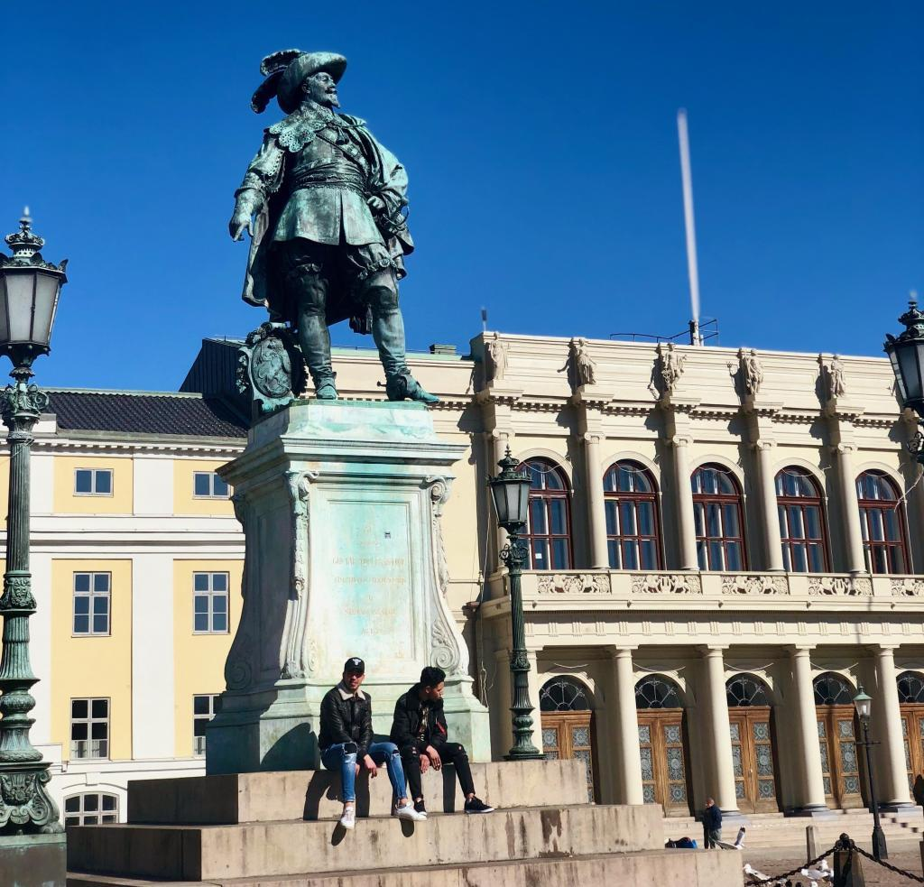 "The statue of the founder of the current ""incarnation"" of Gothenburg, celebrating its 400th anniversary in two years."